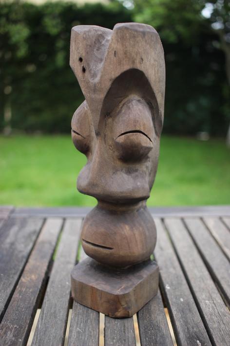 Statuette tiki en pin