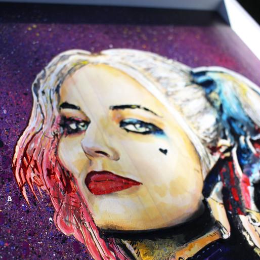 Harley Quinn - gravure et peinture sur bois