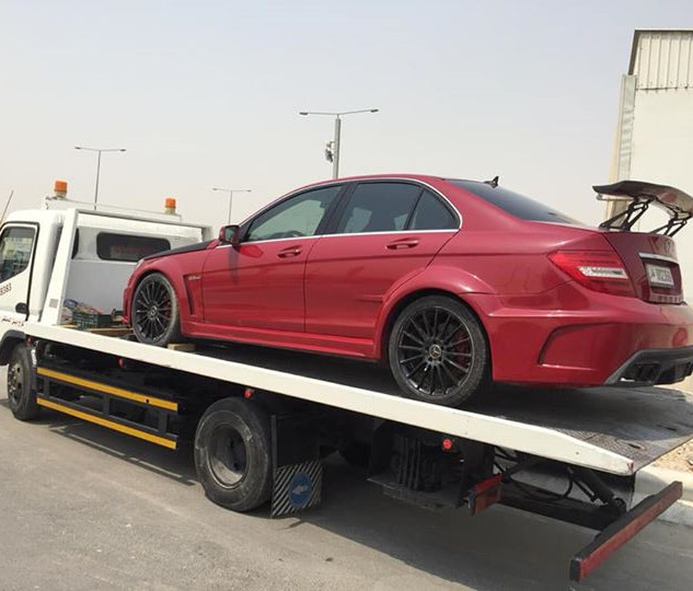 towing truck qatar 50629163.jpg
