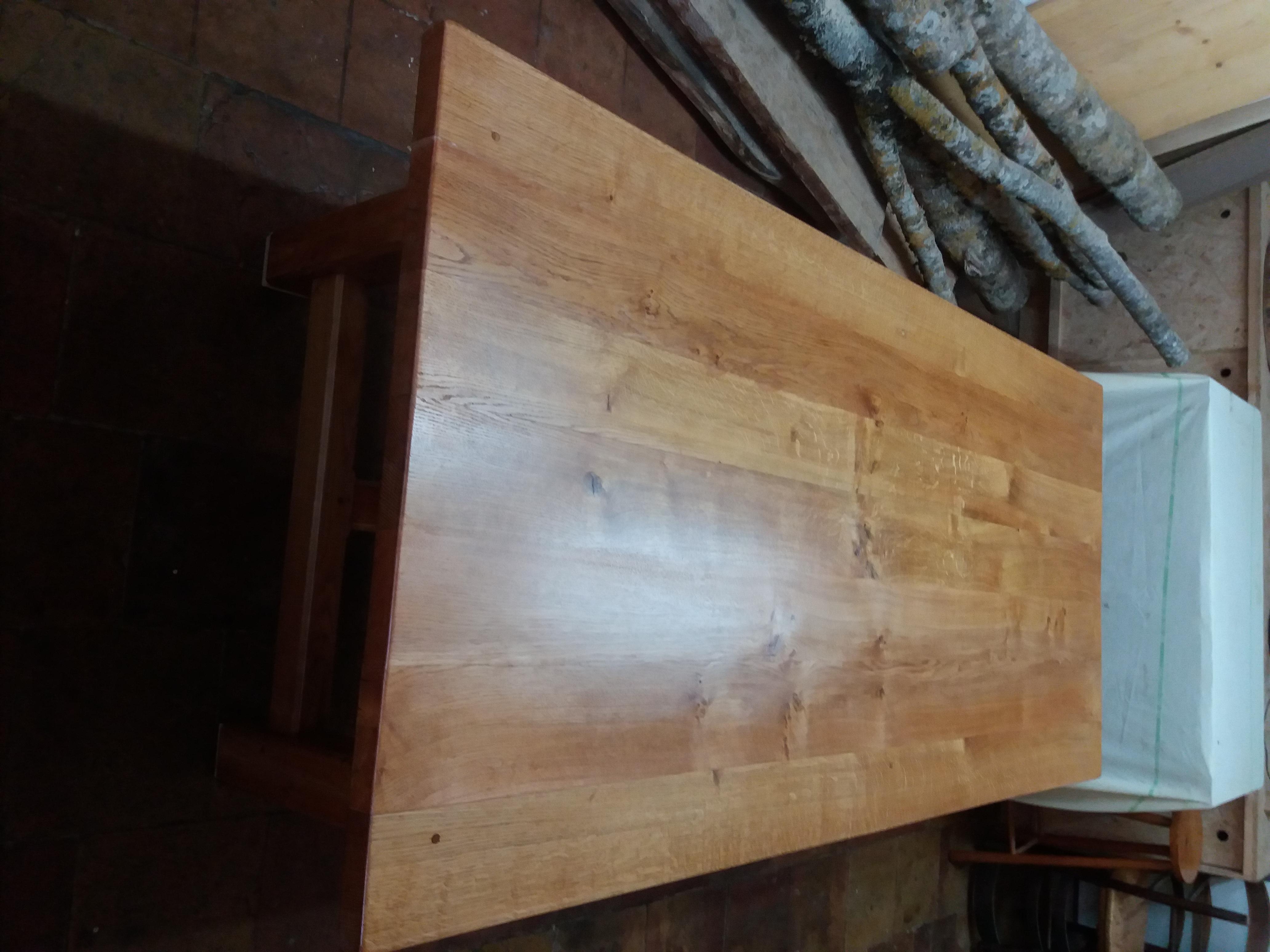 Restauration d'une table en chêne
