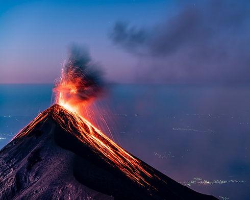 Eruption over Volcan de Fuego at sunrise seen from Acatenango_edited.jpg