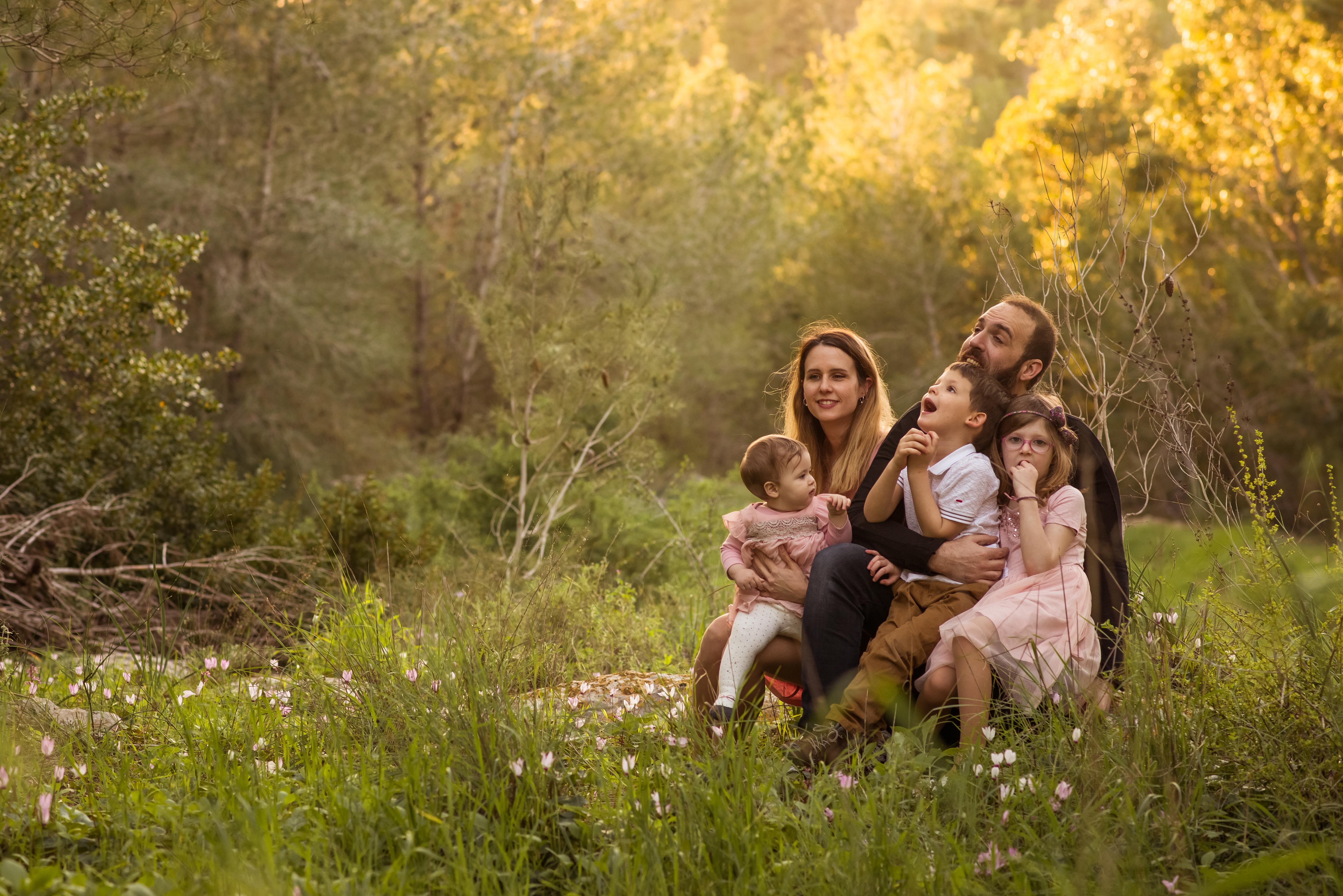 הצילומי הריון ומשפחה בטבע