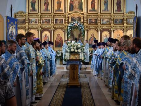 Клир и миряне отметили престольный праздник главного собора епархии