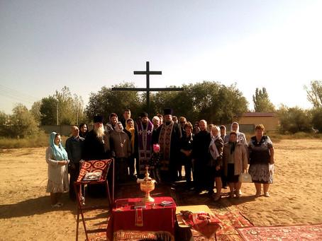 В п. Тинаки - 2 состоялось освящение креста на месте возведения нового храма