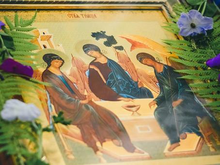 В епархии встретили праздник Святой Троицы