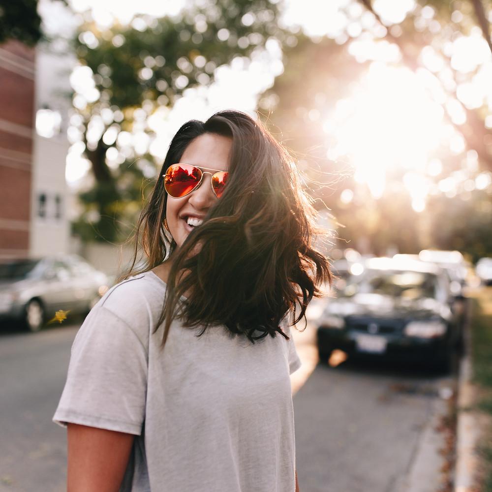 Por que é tão importante usar óculos escuros?