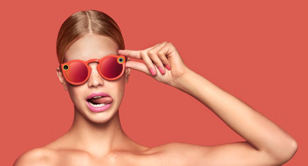 1457dfccf Spectacles, os óculos do Snapchat para gravar vídeos.