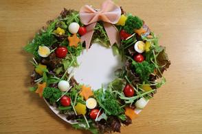 クリスマスレシピ☆☆☆《リースサラダ》
