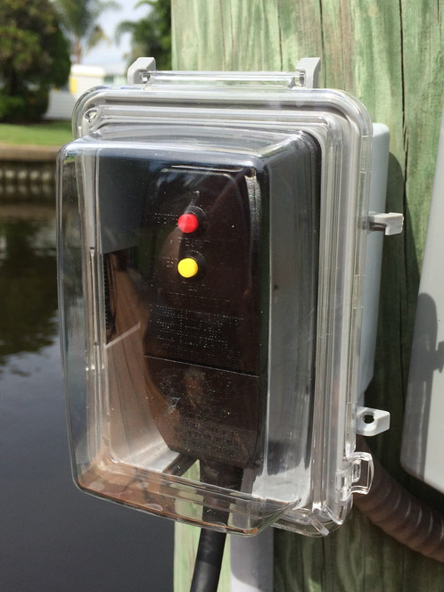 While In-Use Weatherproof Outlet & Plug Cover | Green Glow Dock ...
