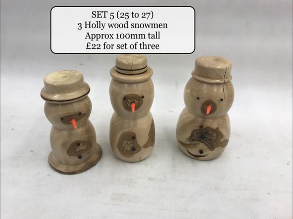 Set 5 Snowmen holly sell as set.jpg