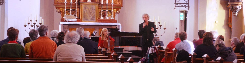 Performing LA FURIA