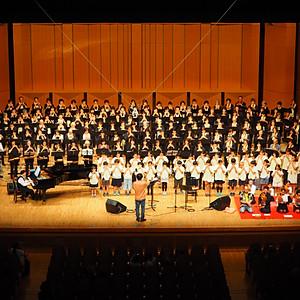 国立競技場の木が奏でるコカリナコンサート