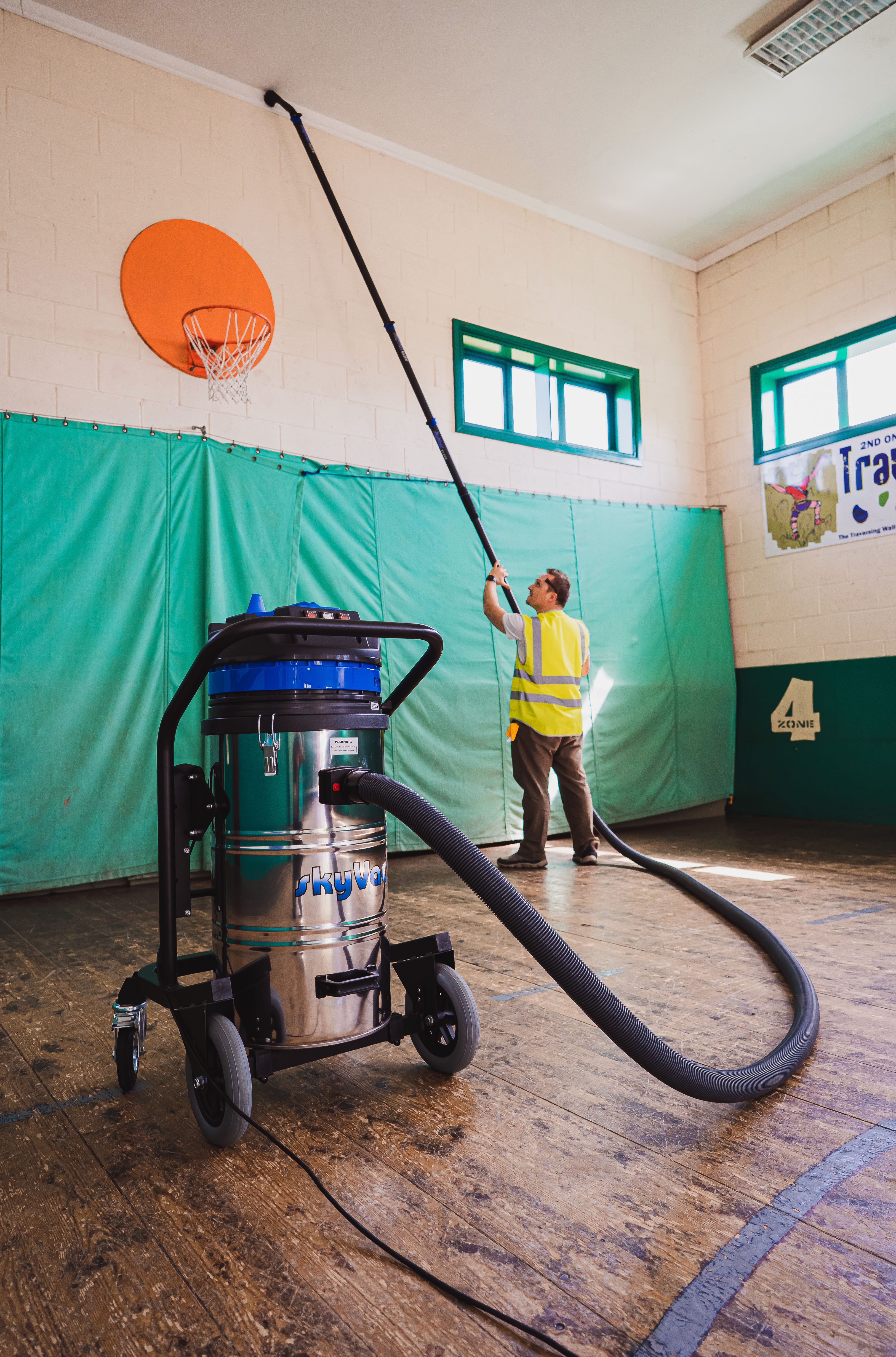 Internal High-Reach Vacuuming