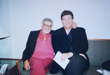Hanging with Frankie Laine before my opening
