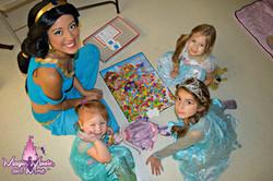 Arabian Princess playing games