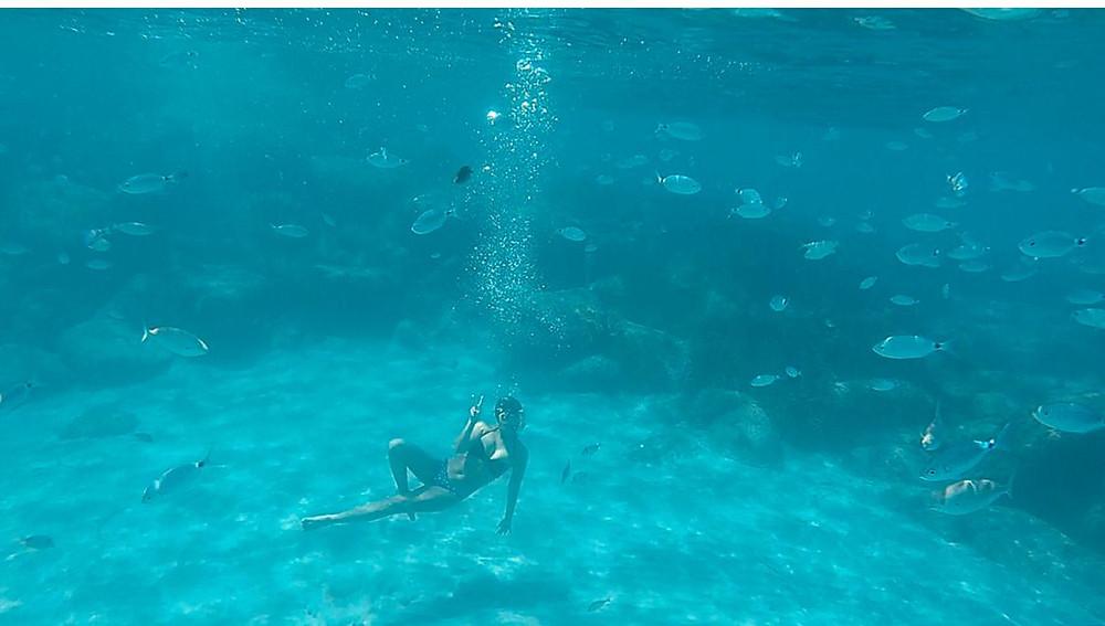 Mergulho nas águas da Sardenha, Itália