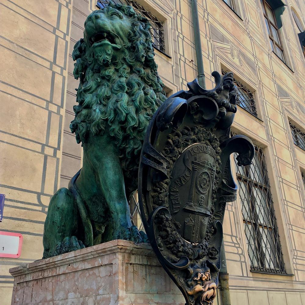 Os leões do palácio Residenz em Munique