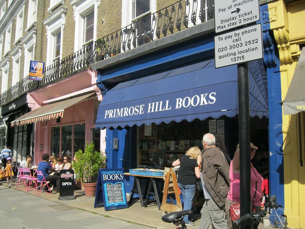 Caminhar por Primrose Hill, bairro de casas caras, é saber onde celebridades moraram.
