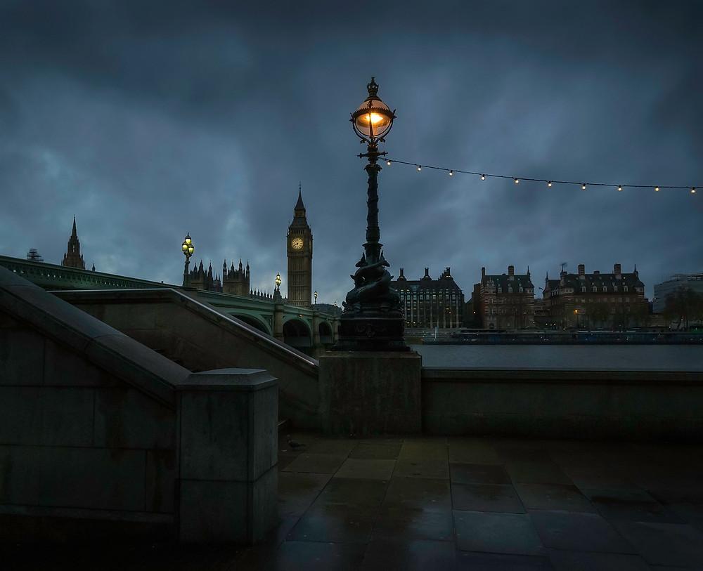 Londres cinza ao cair de um  dia de inverno (Foto: Pixabay)
