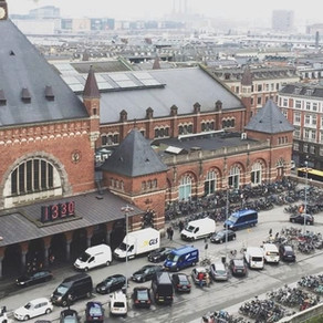 Copenhagen: bicicletas para tudo  quanto é lado. É um exemplo de mobilidade urbana.