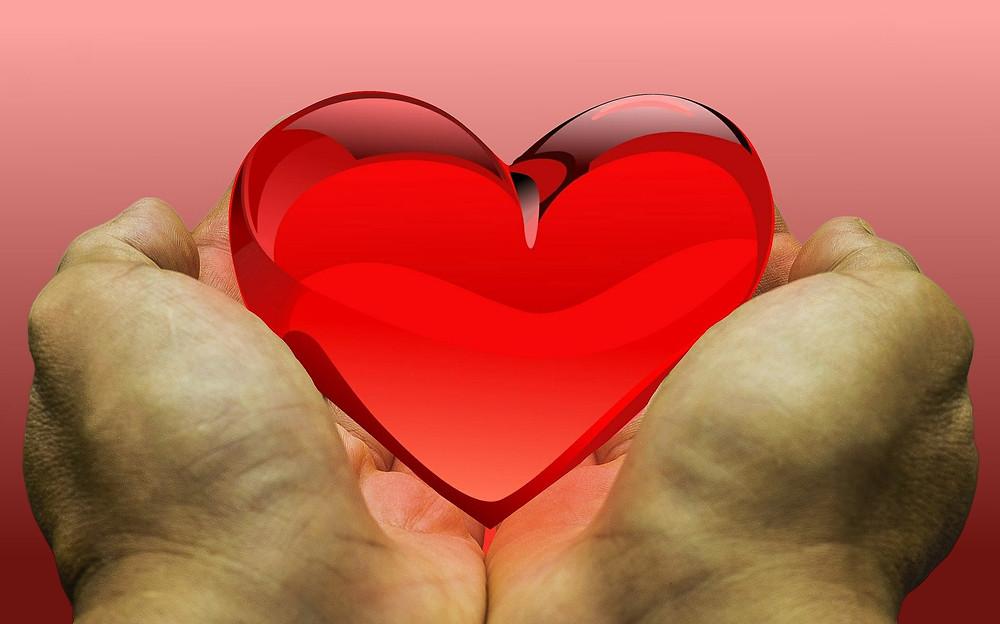Mãos e coração, Pixabay