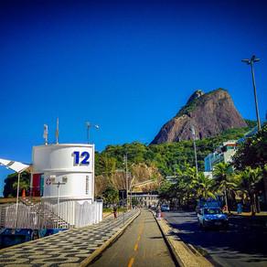 Sob a luz do outono carioca, mas em casa