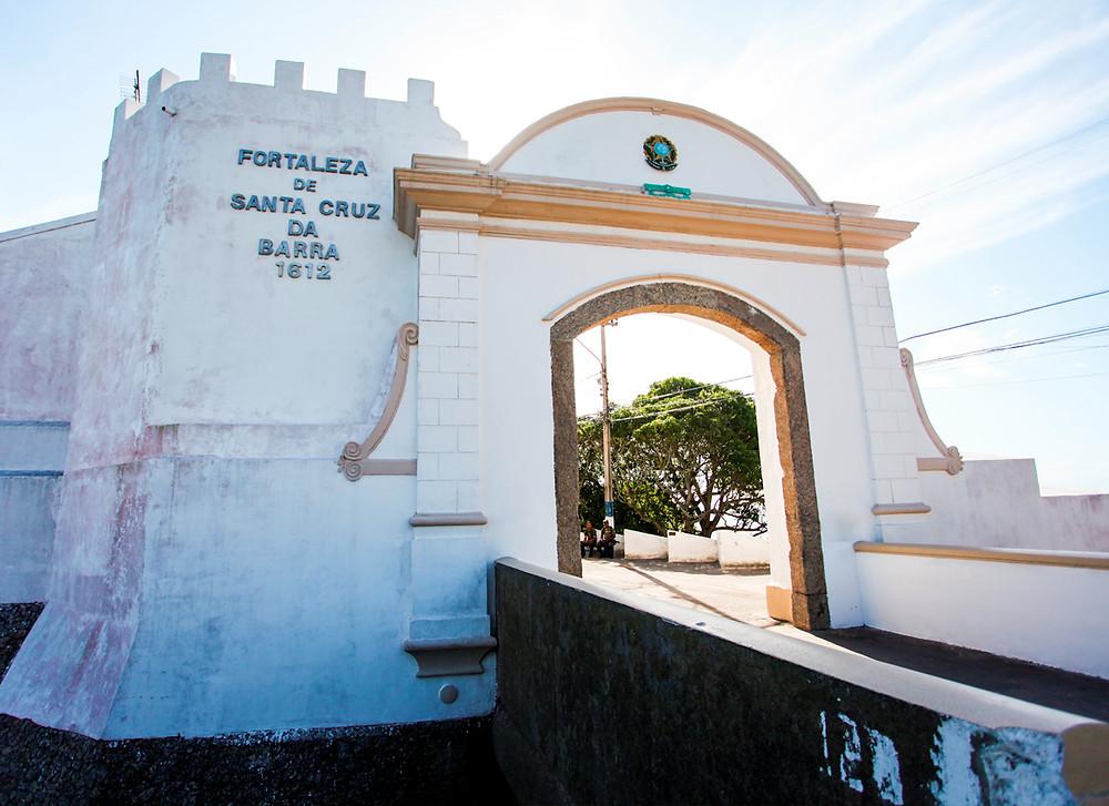 Entrada da fortaleza: entrada para uma experiência histórica (Foto: Exército Brasileiro)