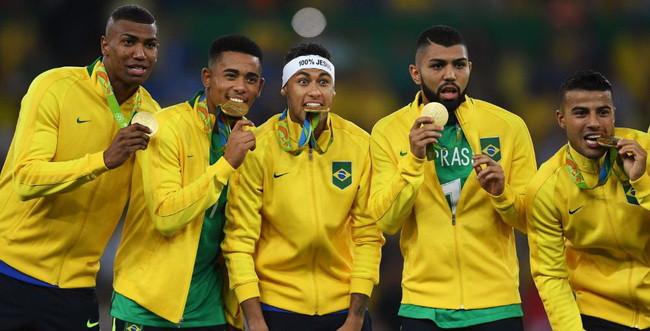 Eu estava no Maracanã: primeira medalha de ouro olímpica no futebol masculino (Foto: O Globo)