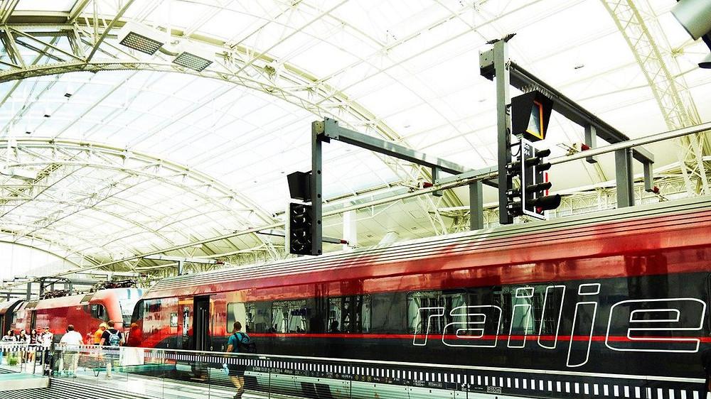 Salzburg Hauptbahnhof, Áustria