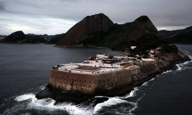 Fortaleza de Santa Cruz da Barra, parece até a estrutura de um castelo à beira do mar do Rio de Janeiro: (Foto: O Globo)