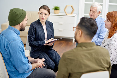 problem-discussion-at-group-therapy-sess