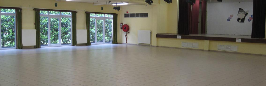 Salle_des_fêtes_3.JPG