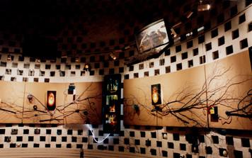 Angle de vue de l'exposition au pigeonnier de Sainte-Geneviève-des-Bois (91)