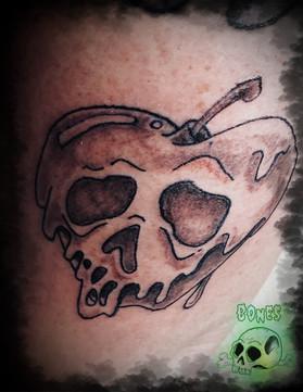 Apple skull Tattoo_edited.jpg