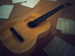 akusticheskaya+gitara+muzikalnie+instrumenti+akusticheskaya+gitara+oboi+klassich