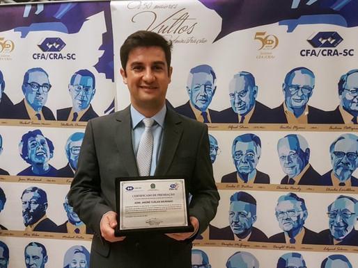 Vereador André Meirinho é homenageado pelo CRA-SC como destaque na administração pública