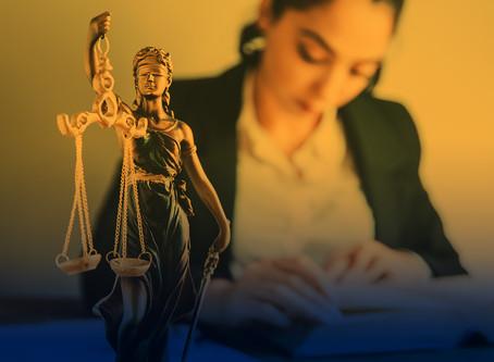 Os desafios das mulheres (na advocacia): como se diferenciar no mercado de trabalho?