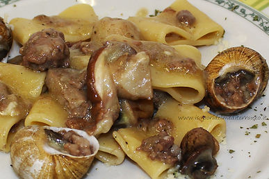 Calamarata con Lumache, Porcini e Salsiccia