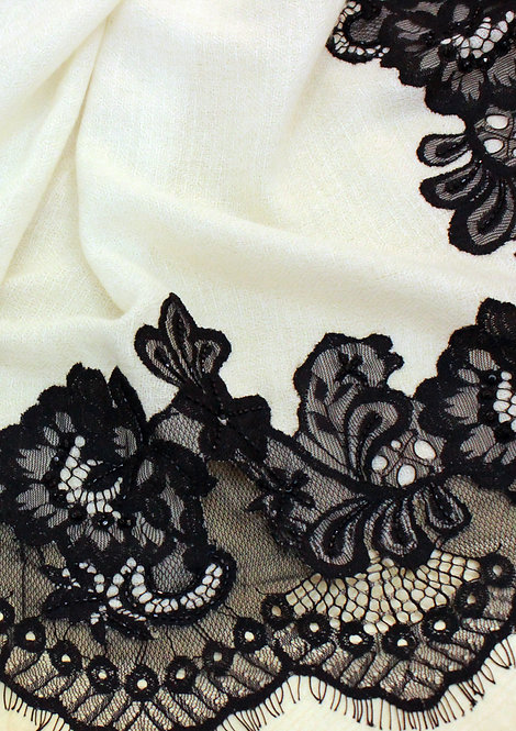 Floral Lace Frame
