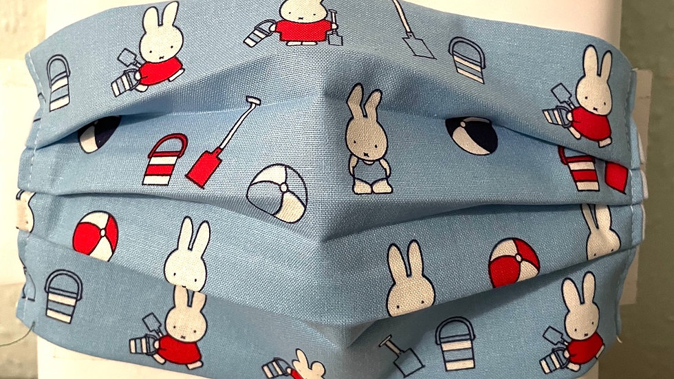 Miffy goes to the beach