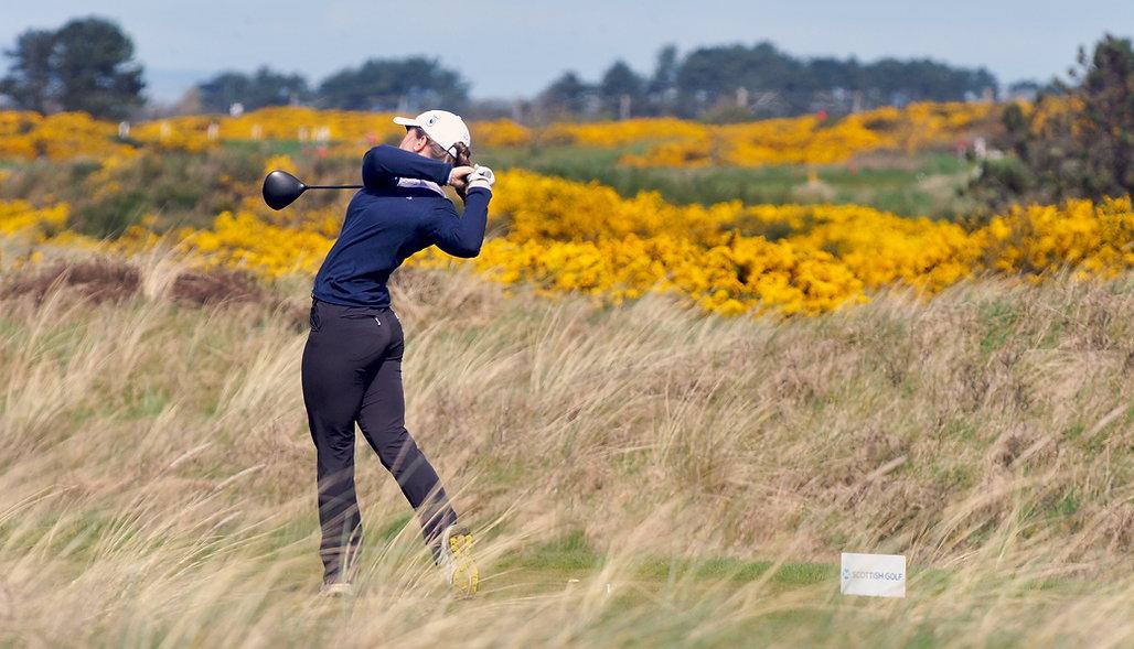 Female Golfer.JPG