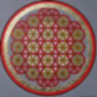 """Lebensblume 2 80 x 80 Rot (Element Feuer, Brauntöne (Element Erde), Palmfaser, Blattgold - Rot ist in der Auralehre die Farbe desWurzel-Chakras undsteht für unsere Wurzeln - unsere Lebenskraft.    Die symbolische Bedeutung der """"Blume des Lebens"""" oder auch """"Lebensblume"""" lesen Sie bitte unter """"Lebensblume 1"""""""