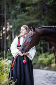 Konfirmantfotografering med hest i Kragerø
