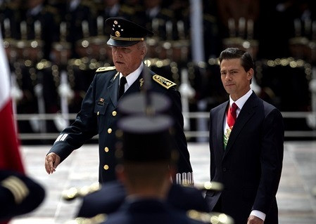 La detención de Salvador Cienfuegos, y la posible caída del equipo de Enrique Peña Nieto
