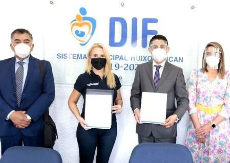 Romina Contreras Carrasco, firma convenio para beneficiar a estudiantes de Huixquilucan