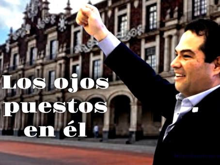 Enrique Vargas del Villar, lidera en el Edomex, y sube como la espuma