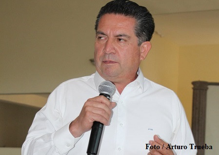 Flavio Villanueva Navidad…ahora apoya a Pedro Rodríguez Villegas
