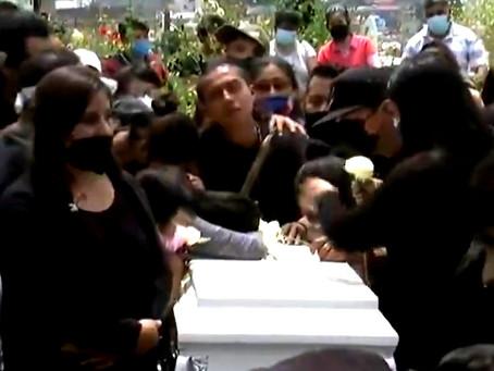 Sepultan a Mia Mendoza Campos, víctima del derrumbe en el Cerro del Chiquihuite