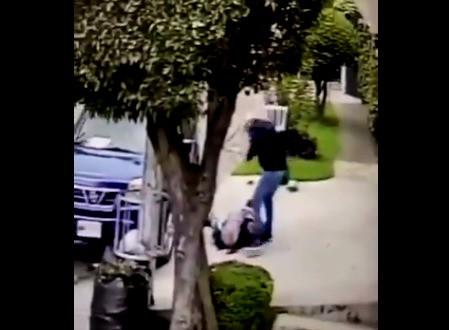 Asaltan con lujo de violencia a adulto mayor en Ciudad Satélite