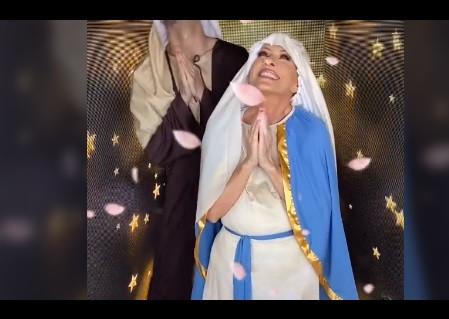 La cantante Yuri se burla de la fe católica…¡y baila reguetón disfrazada de Virgen María!